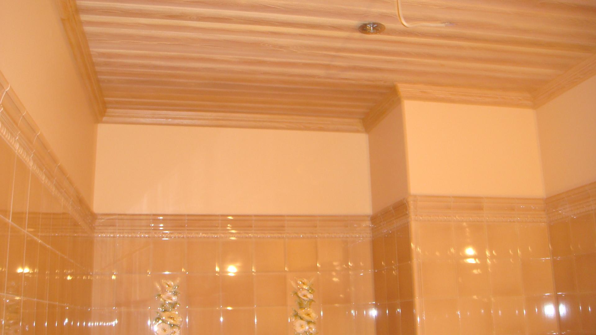 Ремонт потолка в ванной своими руками (фото) 95