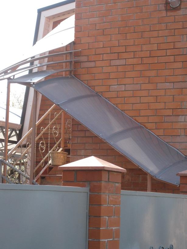 Навес над лестницей, навес стройтал.ru - строительный портал.